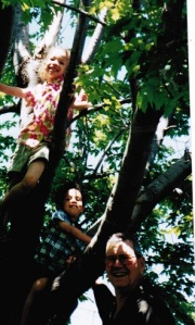 Ivan and kids in the tree 001